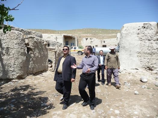 بازدید فرماندار سرخس از یک روستای محروم شهرستان