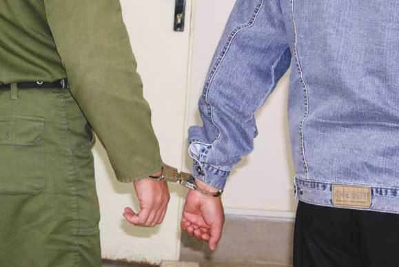 دستگیری متهم به سرقت از مغازه در سرخس