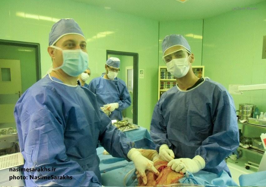 عمل پروتز زانو در سرخس (2)