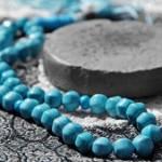چرا بعد از اتمام نماز، مهر نماز را میبوسیم؟
