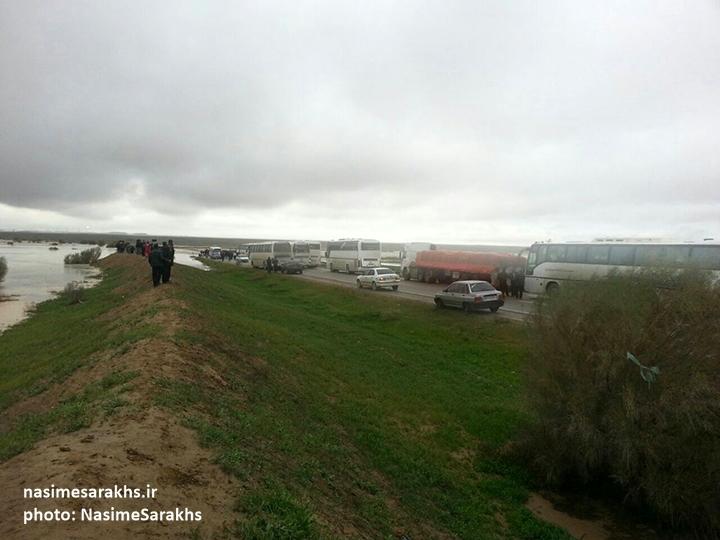 جاری شدن سیل در شهرستان سرخس (2)