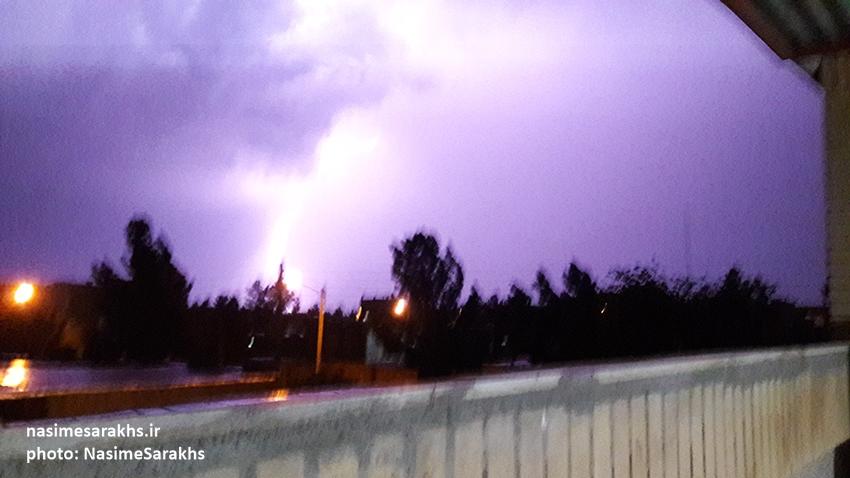 رعد و برق های مهیب در شهرستان سرخس (1)