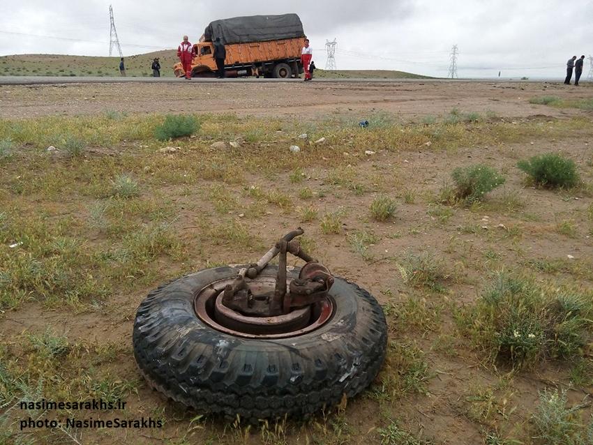 تصادف مرگبار لیفان با کامیون بنز در جاده سرخس (3)