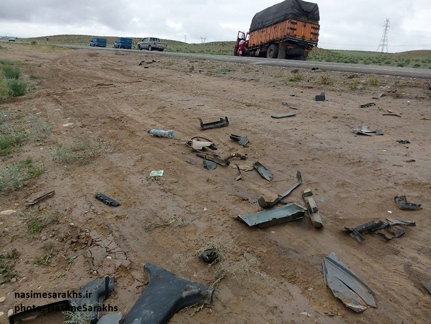 تصادف مرگبار لیفان با کامیون بنز در جاده سرخس (4)