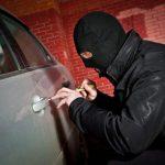 دستگيری سارق داخل خودرو حين سرقت در سرخس