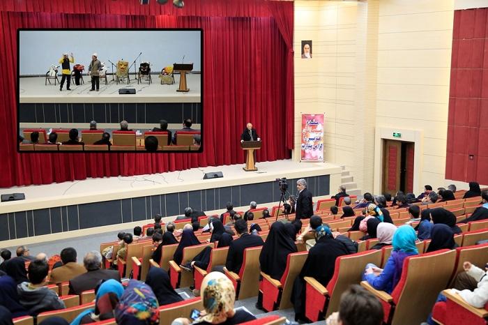 محفل فرهنگی ادبی «شب فردوسی» در سرخس برگزار شد