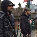 حامیان ترامپ اسلحه به دست به خیابان آمدند +عکس