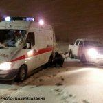 تلاش 6 ساعته برای نجات مادر باردار سرخسی گرفتار در برف+ تصاویر