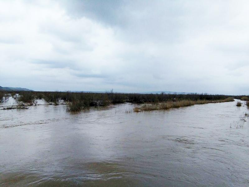 آه و حسرت کشاورزان سرخسی با خروج آبهای مرزی به ترکمنستان!