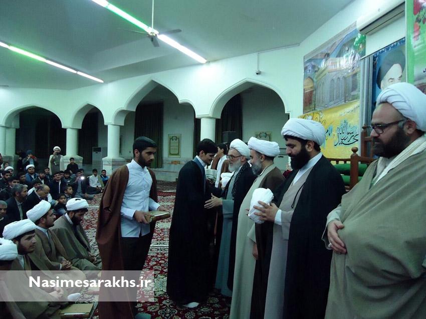 مراسم عمامه گذاری طلاب مدرسه علمیه سرخس+ تصاویر