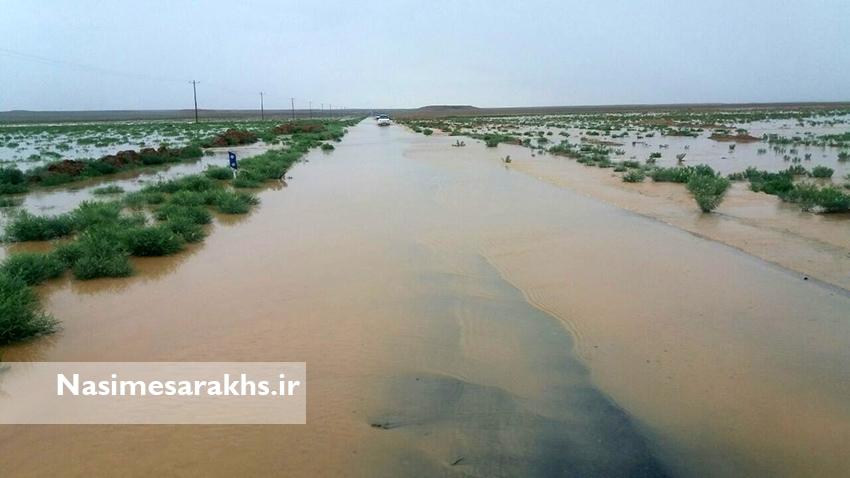 وقوع سیلاب در جاده آبمال به دق بهلول سرخس+ تصاویر