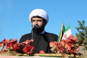ابهت امت اسلامی در روز عید فطر به دنیا نشان داده میشود