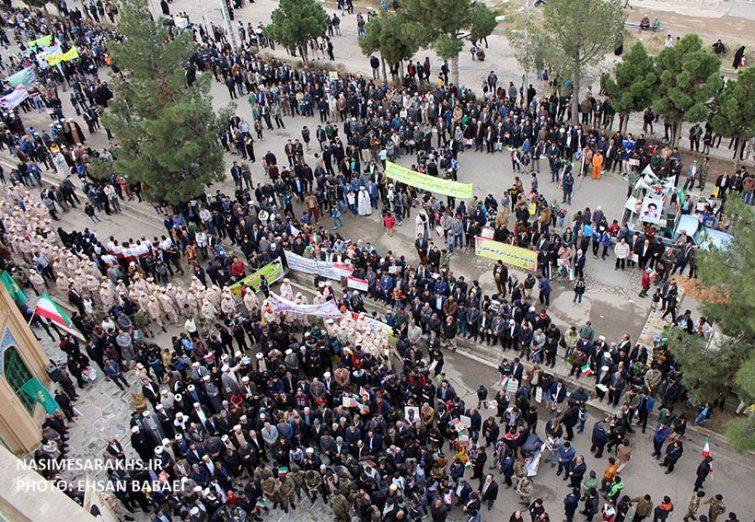 تصاویر هوایی از حضور حماسی مردم سرخس در راهپیمایی یوم الله ۲۲ بهمن