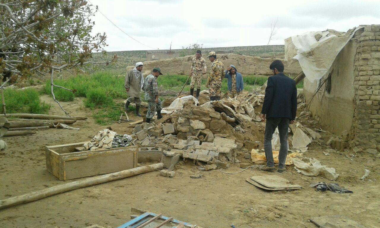 خدمت رسانی ارتش به مردم سیل زده روستاهای چاله زرد و کلاته حاجی مدد شهرستان سرخس