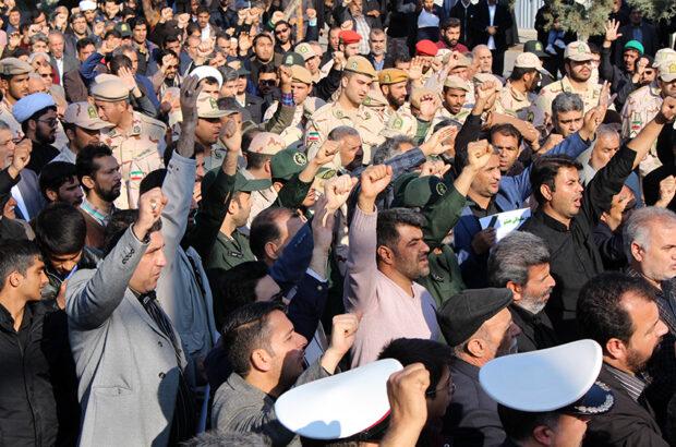 راهپیمایی مردم انقلابی سرخس در محکومیت ترور سردار سلیمانی
