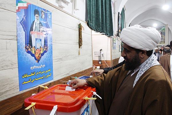 بخشی از سیلی سخت مردم ایران به استکبار امروز رقم میخورد/ مشارکت حداکثری مردم مجلس قوی را شکل میدهد