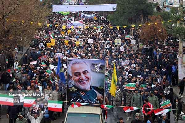 گزارش تصویری؛ ضربه کوبنده مرزنشینان سرخس به آمریکا در یومالله ۲۲ بهمن