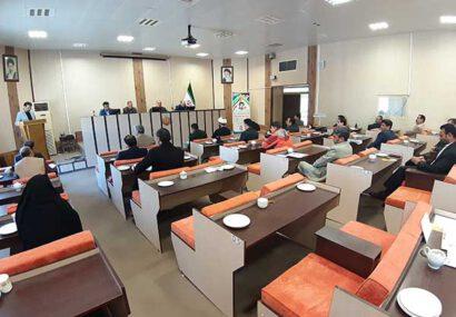 لغو مرخصی کارمندان غیربومی در سرخس تا عبور بحران کرونا/ آمادگی سپاه سرخس برای تولید روزانه ۵ هزار ماسک