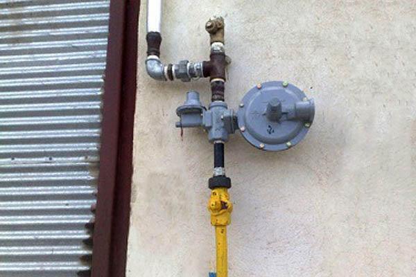 متقاضیان نصب علمک گاز در سرخس ۲ ماه دیگر صبر کنند/ با تعیین پیمانکار علمکها بروز نصب میشود