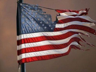 تسخیر لانه جاسوسی، آغازی بر افول آمریکا در جهان