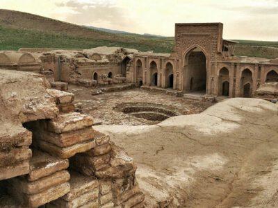 ۷ بنای تاریخی سرخس ثبت آثار ملی شد