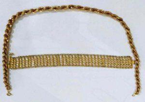 اهدای ۳۵ گرم طلا توسط بانوی خیر سرخسی به ستاد بازسازی عتبات عالیات