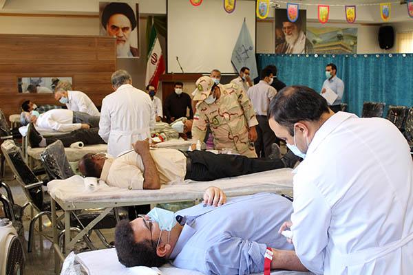 گزارش تصویری؛ اهدای خون توسط داوطلبان مردمی و مجموعه دادگستری سرخس
