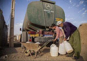 تامین روزانه آب شرب روستای شورلق سرخس با تانکر/ ۲۰ روستای سرخس با تنش آبی مواجه هستند