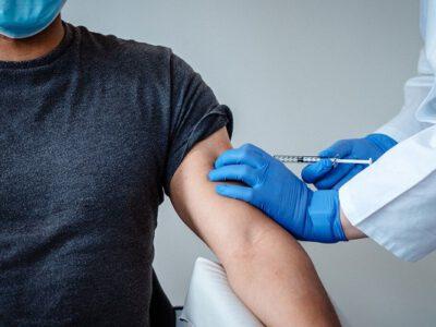 تأکید همزمان طب سنتی و نوین به واکسیناسیون عمومی/ بذر عدم واکسیناسیون توسط دشمنان در ذهن مردم کاشته شد